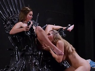 Cersei and Margaery Tyrell Lesbian Pussy Licking Game of Thrones Parody 5